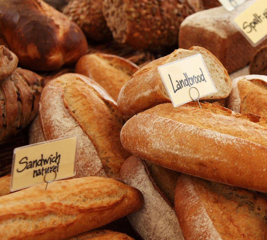 Bánh mì cũng giúp giảm say xe khá tốt