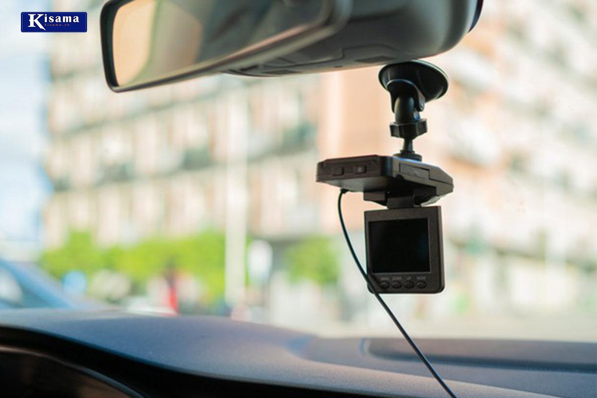 Camera hành trình trên xe hơi